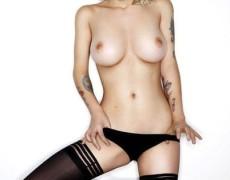 Emily Laser en Front (73)