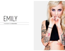 Emily Laser en Front (80)