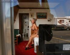 Janine Lindemulder en Crazy Babe
