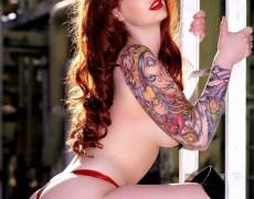 Vanessa Lake ardiente pelirroja tatuada (39)