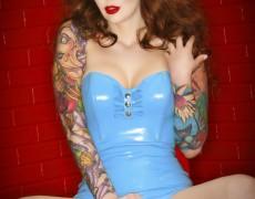 Vanessa Lake ardiente pelirroja tatuada (47)