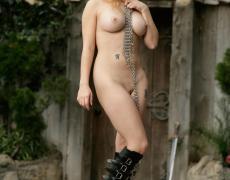 Aiden como princesa medieval tatuada (34)