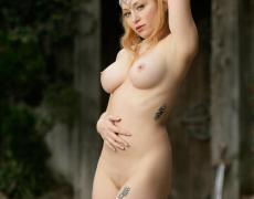 Aiden como princesa medieval tatuada (43)