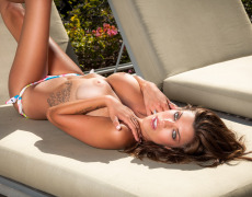 Amber Alexandria se quita el bikini (16)