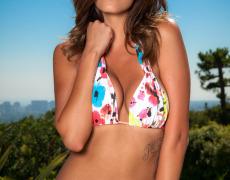 Amber Alexandria se quita el bikini (3)