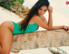 Carol Nakamura tomando el sol de Brasil (4)