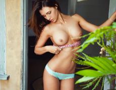 Casey Connelly y su delicioso cuerpo en Playboy (3)