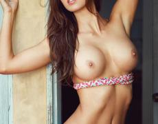 Casey Connelly y su delicioso cuerpo en Playboy (4)