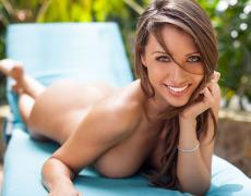 Casey Connelly y su delicioso cuerpo en Playboy (53)
