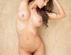 Casey Connelly y su delicioso cuerpo en Playboy (57)