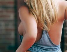 La preciosa Krystal Lyne y su piercing en la vagina (6)