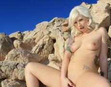 Lynn Pops jugando con su vagina (11)