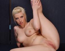 Lynn Pops jugando con su vagina (74)