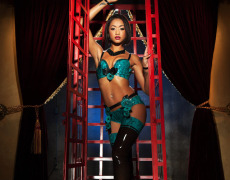 Skin Diamond hermosa en Penthouse (1)
