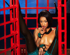 Skin Diamond hermosa en Penthouse (25)
