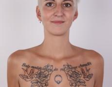 Checa tatuada posando para un casting (10)