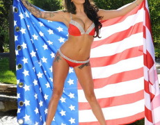 Daniella Mae de patriota desnuda (1)