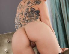 Danni Kalifornia en lencería negra (11)