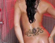 Destiny Dixon en una ducha caliente (8)