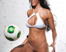 El impresionante cuerpo de Aline Bernardes (27)