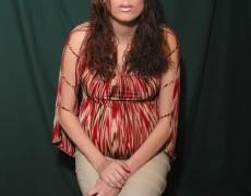 Embarazada tatuada mostrando la concha (1)