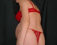 Embarazada tatuada mostrando la concha (9)
