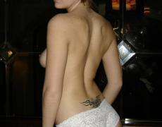 Hermosa argentina tatuada en la ducha (19)