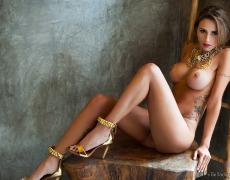 Junia Castro y su bello culo de la semana (12)