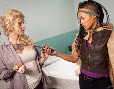 Kleio Velentien y Skin Diamond como lesbianas zombi (8)