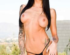 La actriz porno tatuada Juelz Ventura (117)