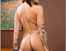 La actriz porno tatuada Juelz Ventura (137)