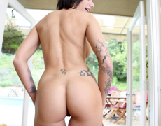 La actriz porno tatuada Juelz Ventura (172)