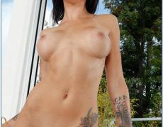 La actriz porno tatuada Juelz Ventura (18)