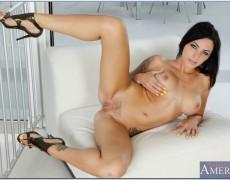 La actriz porno tatuada Juelz Ventura (182)