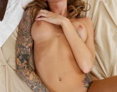 La actriz porno tatuada Juelz Ventura (209)