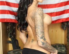 La actriz porno tatuada Juelz Ventura (238)