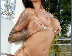 La actriz porno tatuada Juelz Ventura (4)