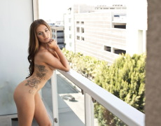 La bella modelo tatuada Taylor Patrick (16)