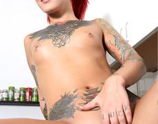 La tatuada Catra en Burning Angel (9)