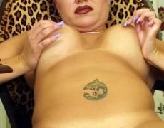 La tetona del delfin tatuado (10)