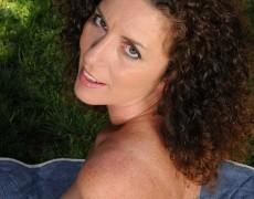 Las experimentadas curvas de Tammy Sue (14)