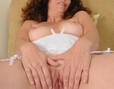Las experimentadas curvas de Tammy Sue (26)
