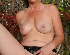 Las experimentadas curvas de Tammy Sue (37)