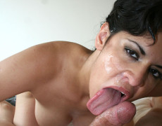Latina madura intentando un deepthroat (13)