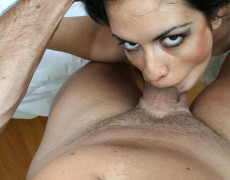 Latina madura intentando un deepthroat (4)
