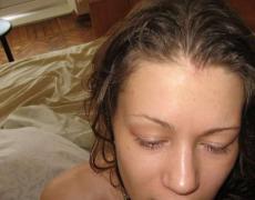 Preciosa tatuada metiéndosela por el culo (7)