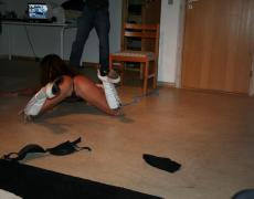 Stripper tatuada se la mete hasta en el culo (15)
