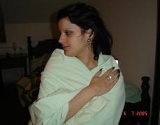 Tatuada metiéndose un pepino en la concha (47)