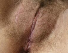 Voluptuosa peluda mostrando el culo (15)