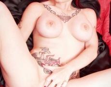 Amelia G como vampira desnuda (3)